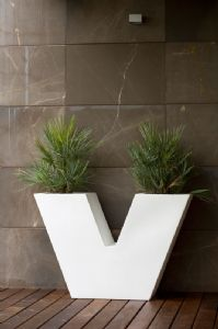 V Planter a Pure design Statement big planter with easy watering system online at potstore.co.uk